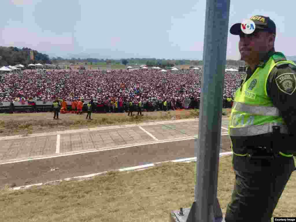 El concierto internacional busca atraer la atención mundial a la crisis humanitaria que atraviesa en estos momentos el país. El evento también fue custodiado por las autoridades colombianas.