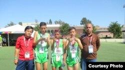 អត្តពលិកខ្មែរឈ្នះបានមេដាយនៅក្នុងការប្រកួតកីឡា Special Olympics ជាកីឡាដែលរៀបចំឡើងសម្រាប់អ្នកដែលមានបញ្ញាស្មារតីមិនសូវមាំមួននៅក្នុងទីក្រុងឡូស អាន់ជឺឡេស សហរដ្ឋអាមេរិក ពីថ្ងៃទី២៥ ខែកក្កដា ដល់ថ្ងៃទី២ ខែសីហាឆ្នាំ២០១៥ ។ (រូបថតផ្តល់ដោយគណៈប្រតិភូកីឡា Special Olympics)