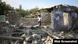 Bangunan hancur yang diduga akibat pertempuran memperebutkan wilayah Nagorno-Karabakh di wilayah Tartar, Azerbaijan, Rabu, 30 September 2020. (Foto: dok).