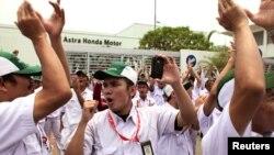 3일 인도네시아 카라왕 산업단지에서 파업 시위 중인 근로자들.