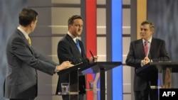 Lideri tri vodeće partije na jednoj od tv debata, koje predstavljaju novinu u britanskim predizbornim kampanjama