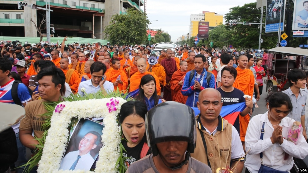 A procession of Kem Lei's body on Preah Monivong Blvd in Phnom Penh in July 10th, 2016
