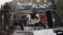 Londonda iğtişaşlar zamanı bir neçə polis zabiti yaralanıb