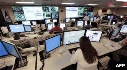 Hükümet dairelerinin bilgisayar sistemlerini de korsanlardan korumak için büyük çaba harcanıyor