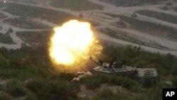 Xe tăng của quân đội Nam Triều Tiên nã đạn trong cuộc tập trận chung với Hoa Kỳ ở Pocheon, Nam Triều Tiên
