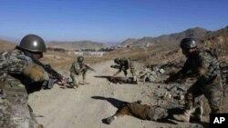 افغان پوځ د نړیوالی ټولنې له خوا د تجهیز او روزنی په برخه کې مرستو ته اړتیا لري.