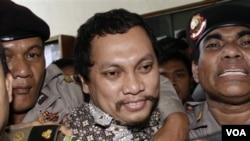Koruptor Gayus Tambunan saat menghadiri sidang vonis penjatuhan hukumannya. (Foto: Dok)
