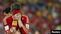 چلی کے خلاف میچ کے دوران اسپین کے کھلاڑی ڈیاگو کوسٹا کی پریشانی ان کے انداز سے عیاں ہے