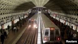 美国首都华盛顿的一处地铁站(2016年3月资料照片)