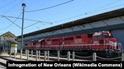 """Lokomotif kereta """"New Orleans Public Belt"""" di Governor Nichols Street Wharf, New Orleans (Foto: dok). Dua gerbong kereta api """"New Orleans Public Belt"""" yang masing-masing membawa 30 ribu galon minyak mentah dilaporkan keluar dari jalur kereta, Minggu malam (1/3)."""