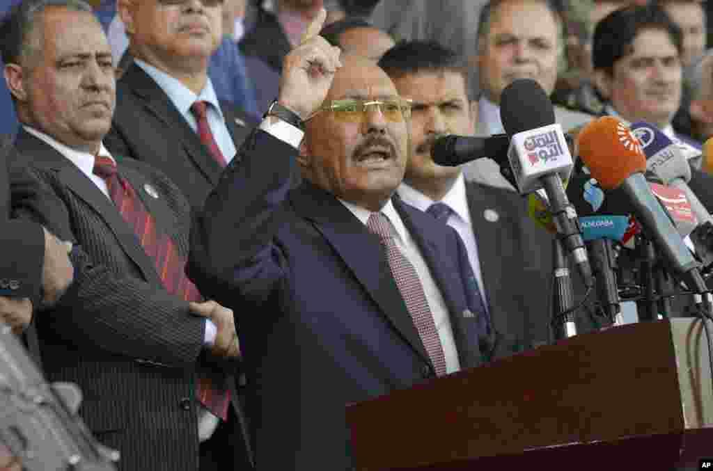 رسانه های منطقه از مرگ «علی عبدالله صالح» رئیس جمهوری پیشین یمن خبر دادند. او ابتدا حامی حوثی های شیعه بود اما از هفته پیش علیه آنها شد.