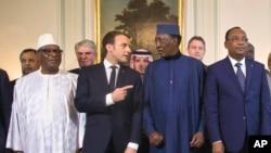 Le Président français Emmanuel Macron et quelques dirigeants du G5 Sahel.