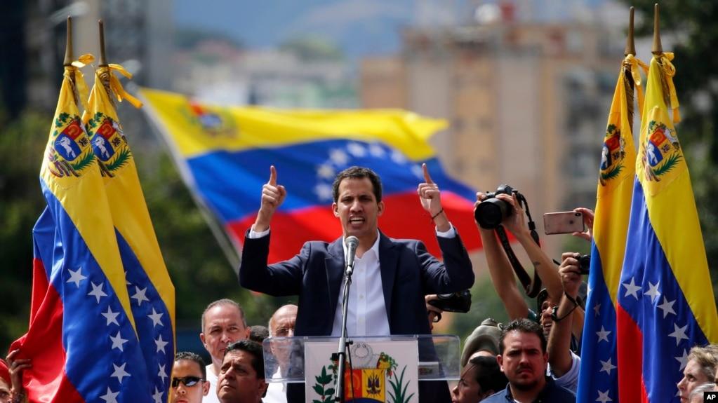 Lãnh đạo đối lập Juan Guaido, người tự tuyên xưng là lãnh đạo lâm thời của Venezuela hôm thứ Tư (23/1) và được Washington và một số nước Châu Mỹ La tinh ủng hộ.