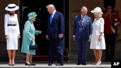 Президент США Дональд Трамп с супругой Меланией встретились с королевой Великобритании, с принцем Чарльзом и его супругой Камиллой. Букингемский дворец, Лондон. 3 июня 2019 г.
