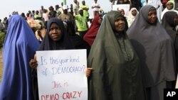 Nigéria: Religião e petróleo são mistura explosiva