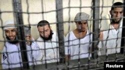 Además de 14 sentencias a muerte el tribunal egipcio dictó penas de cadena perpetua para otros seis islamistas.