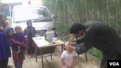 تنها با دو قطره واکسین می توانید حیات طفل های زیر سن پنج سال تان را از فلج دایمی نجات دهید.