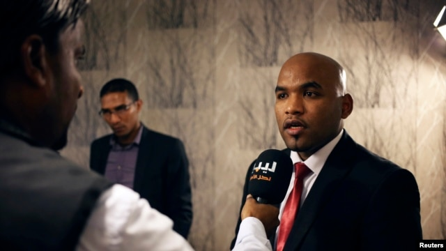 Ibrahim Jathran, Cyrenaica province's autonomy leader, speaks to the media in Ajdabiya December 15, 2013.