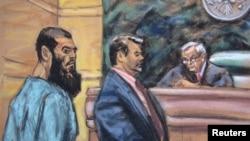 Abid Naseer (kiri) didampingi pengacaranya Steven Brounstein (tengah) menghadap hakim Raymond Dearie saat menyatakan tidak bersalah atas tuduhan terorisme dalam pengadilan federal Amerika di New York (7/1).