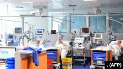 Bệnh nhân virus corona tại bệnh viện Brescia Poliambulanza ở Lombardy, Ý, ngày 17/3/2020