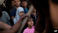 Migranti pristigli u luku Pozalo na Siciliji
