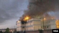 Kebakaran yang terjadi di penjara San Miguel di Santiago, Chili Rabu pagi, 8 Desember 2010.