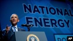 바락 오바마 미국 대통령이 24일 라스베이거스시에서 열린 국가청정에너지정상회의에서 연설하고 있다.
