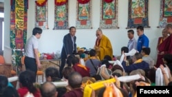 达赖喇嘛会晤中国僧侣 (资料照片)