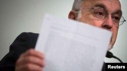 미국의 유대계 인권단체인 사이먼 비젠탈센터의 아브라함 쿠퍼 부소장(사진)을 비롯한 인권단체 관계자들이 6일 뉴욕에서 기자회견을 열고 데니스 로드먼의 방북을 비난했다.