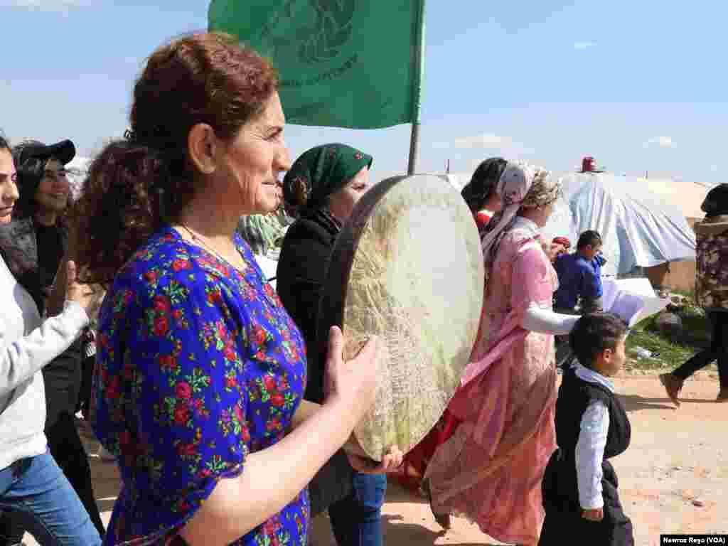 Jinên Efrînê di Çalakiya 8ê Adarê da