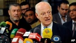 Utusan khusus PBB untuk Suriah Staffan de Mistura berbicara kepada media di Damaskus (foto: dok).