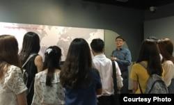 최근 미국에서 통일 지도자 연수를 받은 남북한 출신 청년들이 워싱턴 VOA를 방문했다.