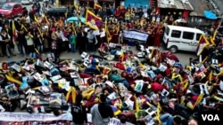 Mass protest in Dharamsala as self immolation crosses 100.