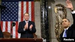 Boehner aplaude a Obama, pero rechaza su idea de elevar el salario mínimo.