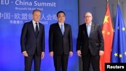 歐盟委員會主席容克和歐洲理事會主席圖斯克在布魯塞爾舉行歐中峰會前歡迎中國總理李克強。(2019年4月9日資料照)