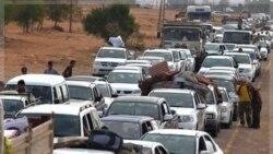 غیر نظامیان در سرت زادگاه قذافی میان مخالفان و هواداران قذافی گیر افتاده اند