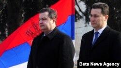 Srpski i makedonski premijeri, Ivica Dačić (levo) i Nikola Gruevski u Skoplju