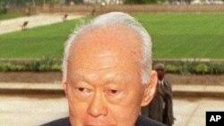 ບິດອນຜູ້ກໍ່ຕັ້ງສິງຄະໂປ ທ່ານ Lee Kuan Yew ປະກາດລາອອກ ເພື່ອແຜ້ວທາງໃຫ້ພວກຜູ້ນໍາສິງຄະໂບລຸ້ນຕໍ່ໄປ