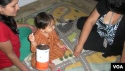 """Mali Vidžan sa majkom Bavanom (levo) i Tinom Fontejn iz """"Porodičnog zdravlja"""""""