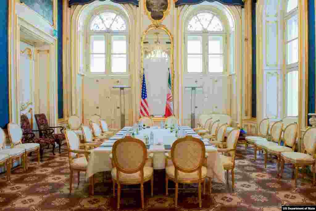 نمایی از «سالن آبی» هتل کوبورگ وین، پایتخت اتریش، محل برگزاری گفتگوهای کشورهای گروه ۱+۵ با ایران