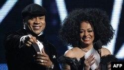 LL Cool J và Diana Ross tại Lễ trao giải Grammny lần thứ 54 tại Los Angeles, ngày 12/2/2012