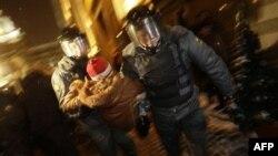 Задержание участников пикета