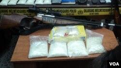 Barang bukti narkotika yang disita dari bagian kelompok jaringan internasional di Karanganyar, Solo, 10 Oktober 2013 yang lalu. (Foto: dok).