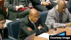 미 국무부의 로버트 우드 군축회담 특별대표가 19일 유엔총회 제1위원회 회의에서 북한 주장을 반박하고 있다.