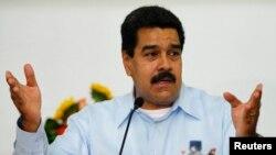 Presiden Venezuela Nicolas Maduro mengaku 6.000 lebih pengikutnya dihapus secara misterius dari akun Twitter-nya (foto: dok).