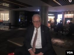 美国联邦众议员科学、太空暨科技委员会荣誉主席森森布伦纳和该委员会的众议员魏斯特曼受台湾政府邀请,于2月14日至18日访问台湾。 (美国之音萧洵拍摄)