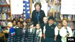 Janine Cerrone with her kindergarten class at Saint Camillus Catholic school in New York. (VOA/A. Phillips)