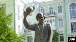 Памятник Шолом-Алейхему в Киеве. Украина