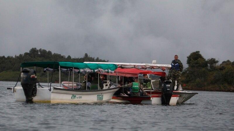 کولمبیا: سیاحوں سے بھری کشتی الٹ گئی، درجنوں لاپتا