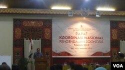 Rapat koordinasi Komisi Nasional Pengendalian Zoonosis di Bali. (VOA/Muliarta)